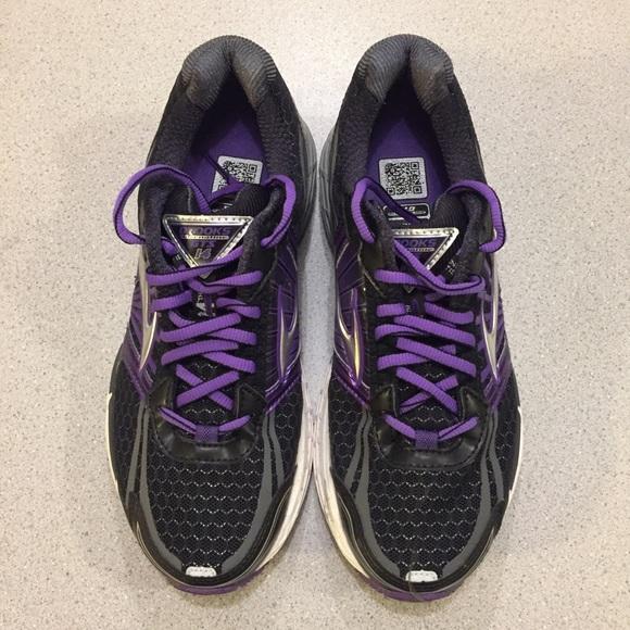 dfd9a14f91f Brooks Shoes - Like new Brooks Adrenaline GTS 14 running shoe